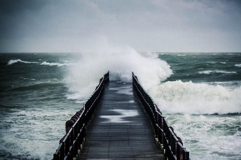 Waves crush